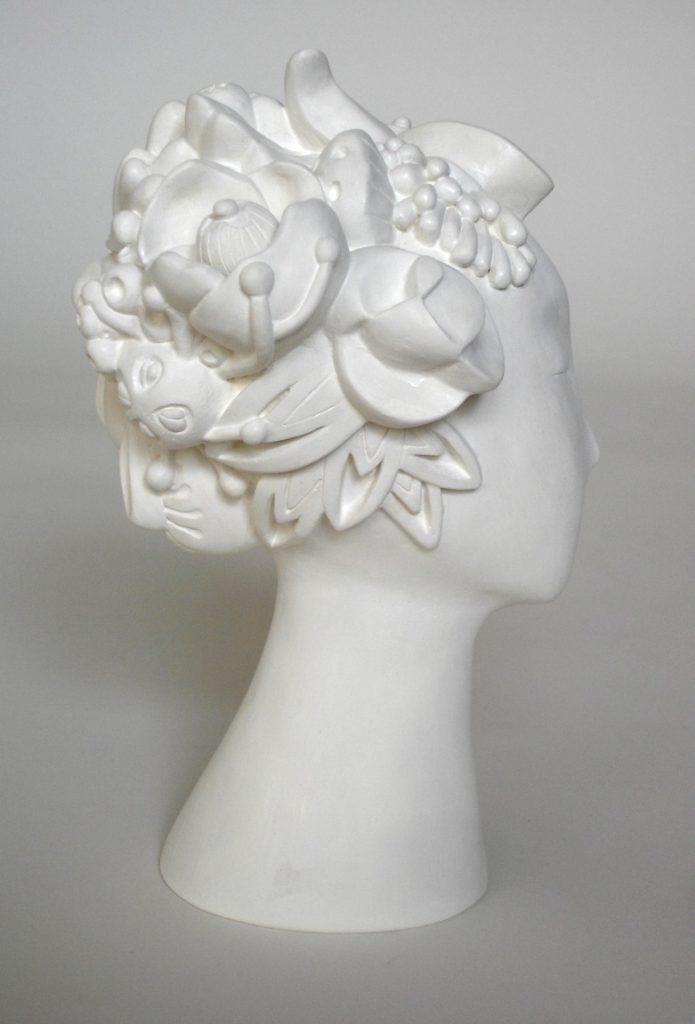 sculptures contemporaines personnages femme plâtre